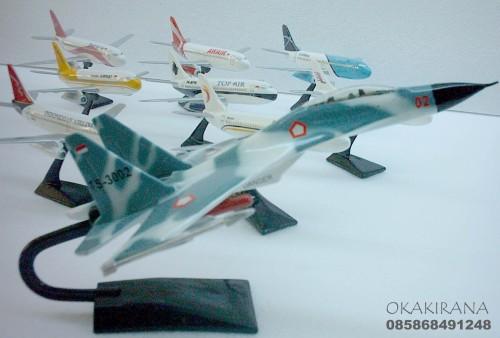 Replika SUKHOI dan type Boeing